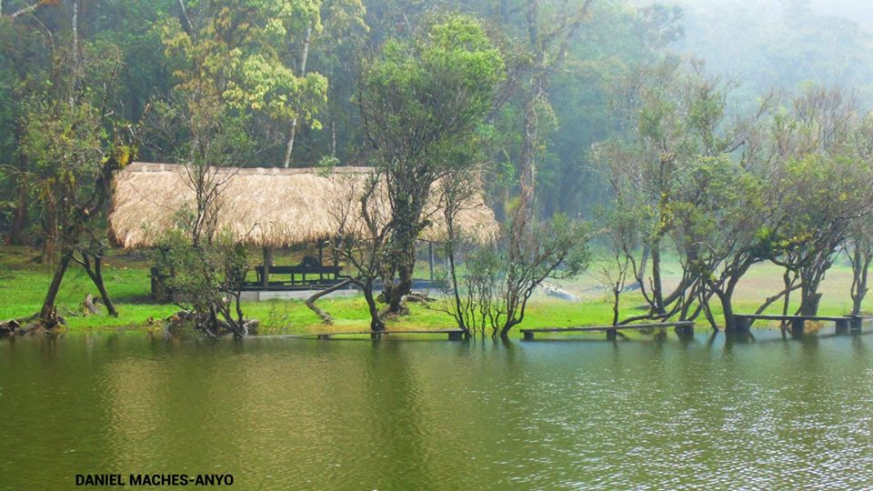 A cottage along Lake Tufub.