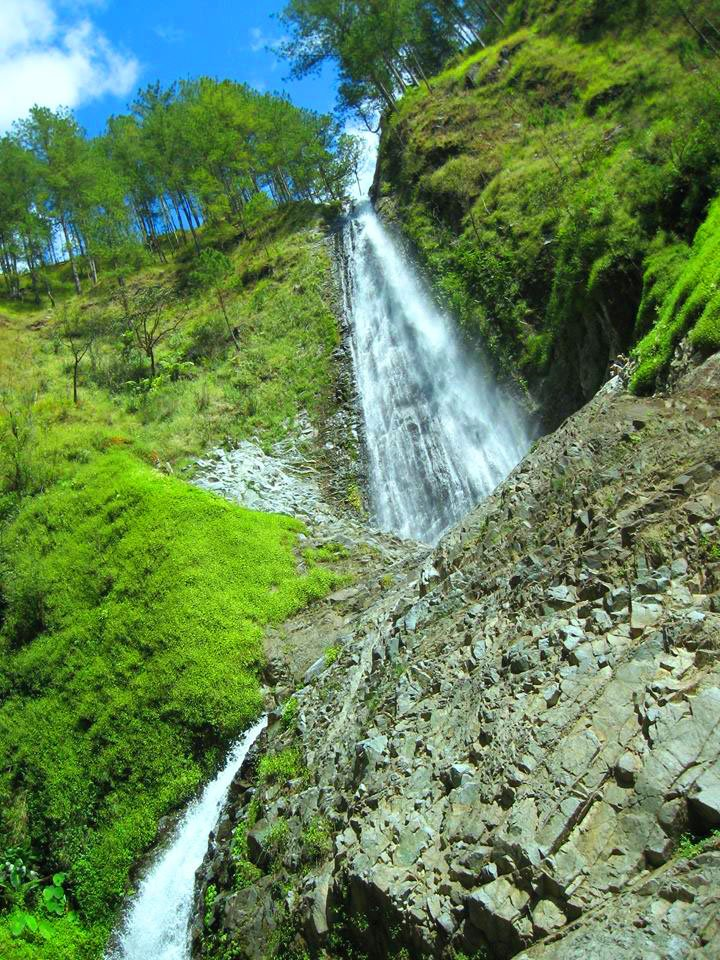 Paradise Falls is one of the most beautiful falls in the Philippines