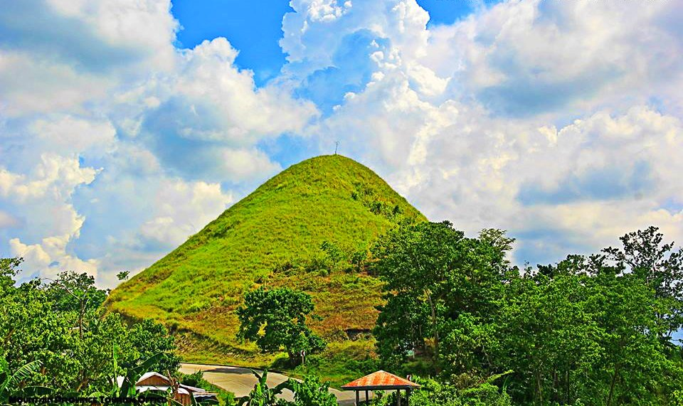 Nansusu Hills is one of the tourist spots in Paracelis.