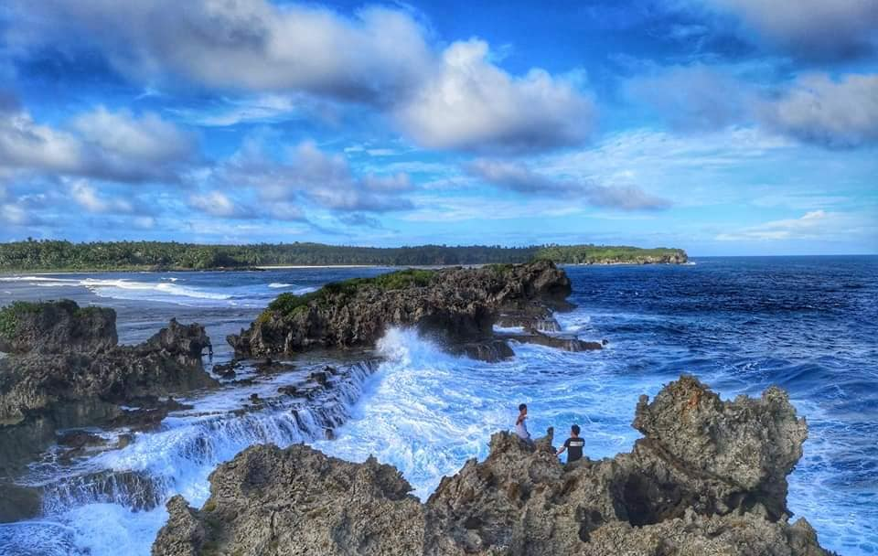 Canhugas Nature Park is one of Eastern Samar tourist spots.