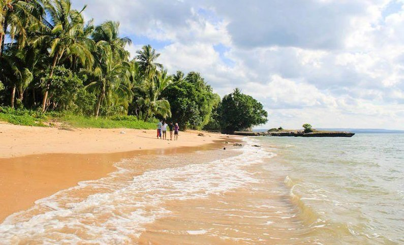 The Onay Beach or Unay Beach is one of the tourist spots in Northern Samar.
