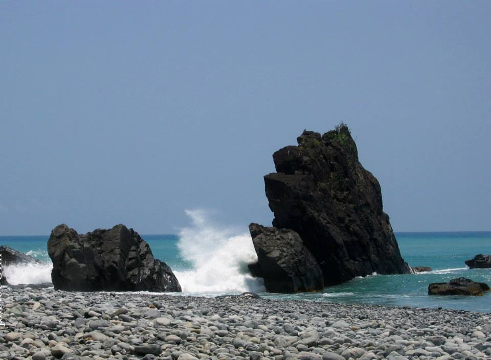 Ampere Beach is one of the tourist spots in Aurora province.