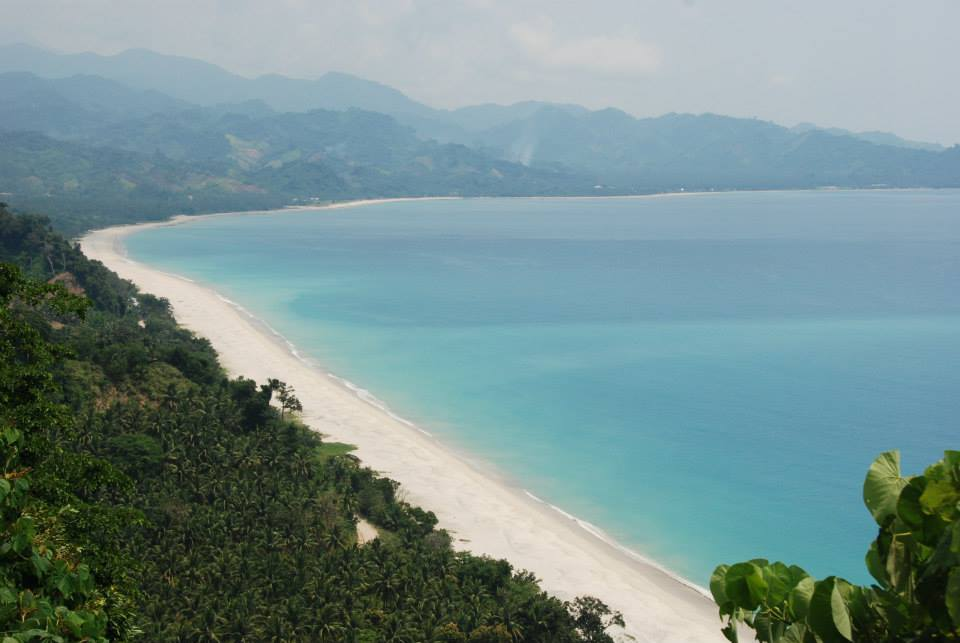 Dinadiawan Beach is one of the tourist spots in Aurora province.