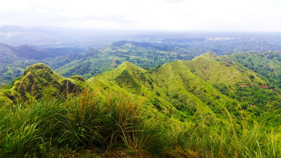 Mt Batulao is one of the famous tourist spots/attractions in Batangas province.