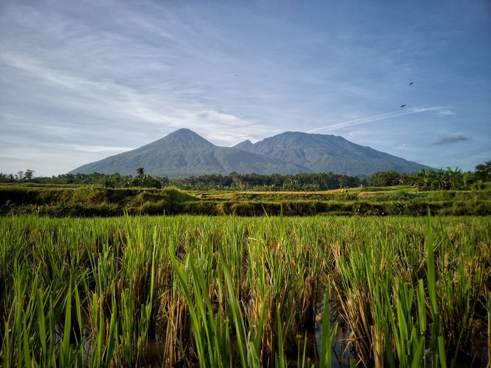 Mount Banahaw is one of the Quezon province tourist spot/destinations. It is also one of the best places in Quezon province.