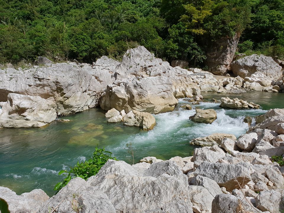 Agos River is one of the Quezon province tourist spot/destinations. It is also one of the best places in Quezon province.