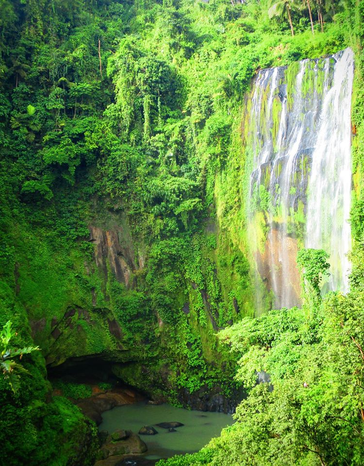 Hulugan Falls is one of the best tourist spots/destinations in Laguna province.